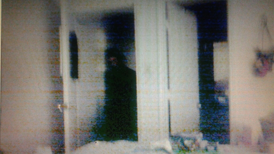 13 Insanely Creepy Ghost Photos That Defy Explanation