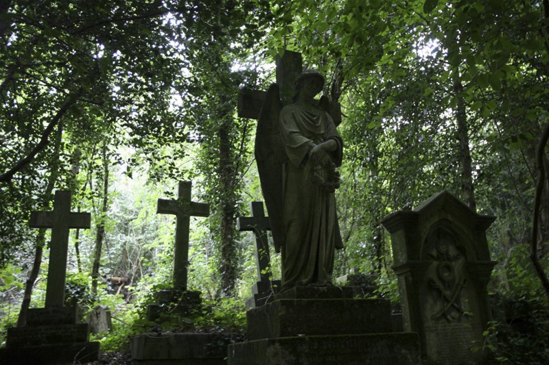 The World's Most Hauntingly Beautiful Cemeteries