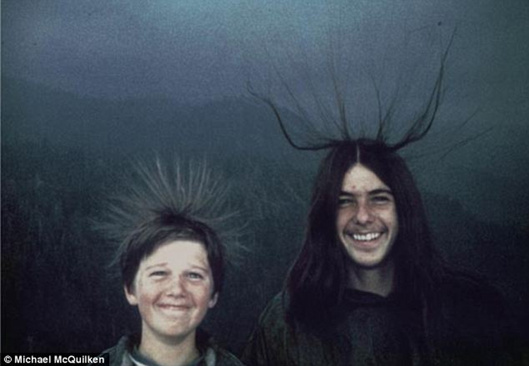 14 Unnerving Old Photos With Back Stories Scarier Than Any Movie