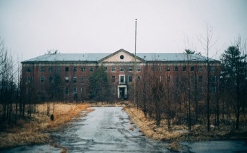 15 Terrifying True Tales Of Abandoned Asylums And Hospitals