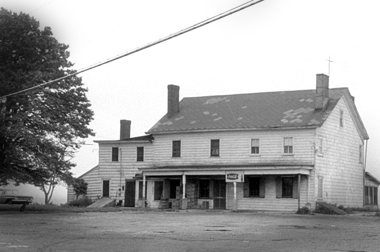 The 5 Oldest Houses in America Are Also the Most Haunted