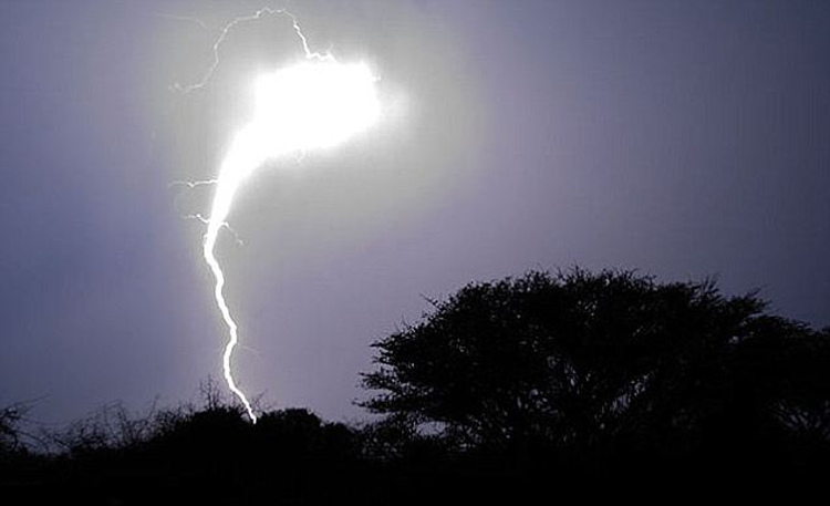 8 Weird Natural Phenomena That Scientists Tried To Explain (But Failed)