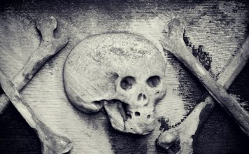 10 Delightfully Spooky True Ghost Stories and Tales of the Supernatural