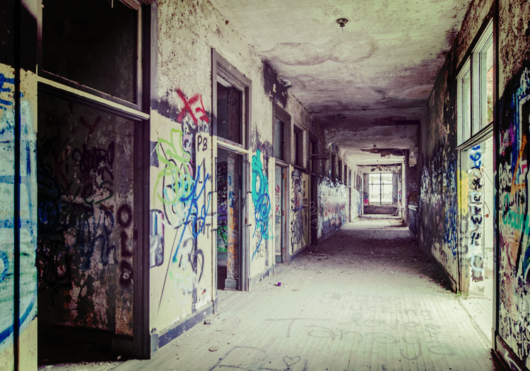 Devil's School: The Abandoned Ruins of The Most Haunted Building in Jacksonville