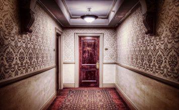 Unusual hotel rooms worth spending the night 14